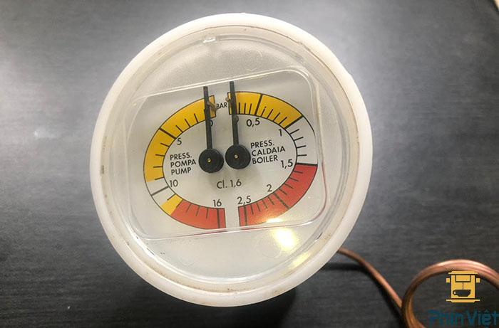Đồng hồ áp suất máy pha